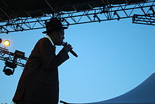 Gregory Isaacs SNWMF 2010 3 - on stage.jpg
