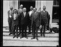 Group at White House, Washington, D.C. LCCN2016888482.jpg