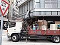 HK SW 上環 Sheung Wan 永樂街 Wing Lok Street Rumsey Street Golden Centre October truck safe DJT logistics Give Way sign 2019 SS2.jpg