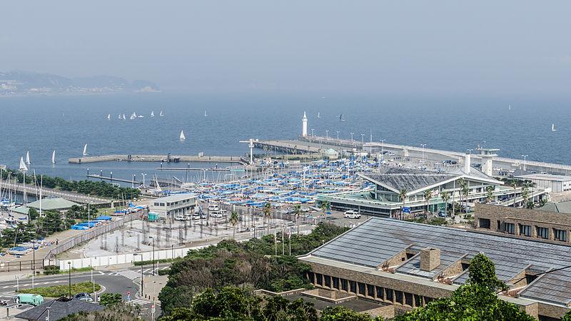 File:Harbor, Enoshima Island 20130809.jpg