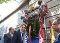 Higueras y Barbero en el homenaje a los bomberos fallecidos en los Almacenes Arias (09).jpg