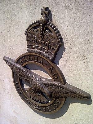 Per ardua ad astra - Per ardua ad astra badge on the Polish War Memorial