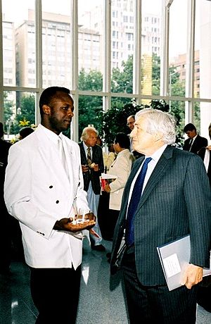 James Wolfensohn - Nigerian artist Ibiyinka Alao and James D. Wolfensohn in Washington DC