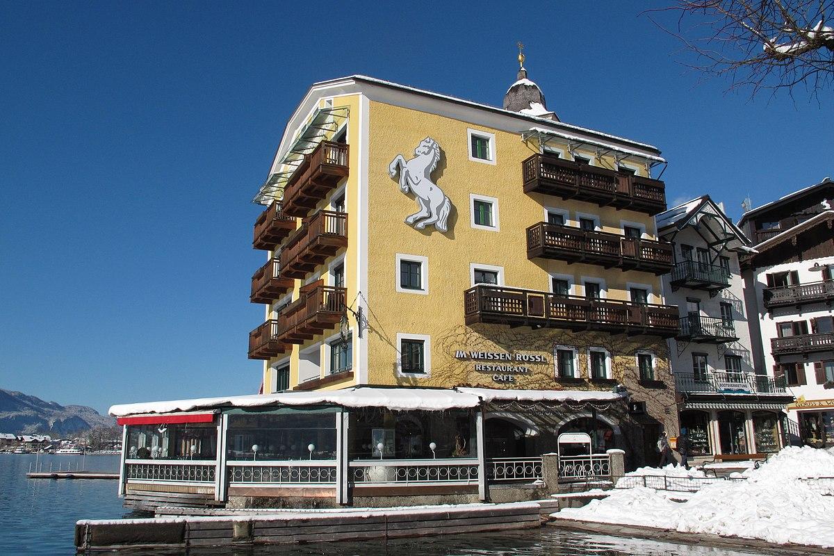 Hotel St Jouan Des Guerets