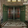 Interieur, biechtstoel met open deuren, in de de zuidgevel - Wehe-den Hoorn - 20386679 - RCE.jpg
