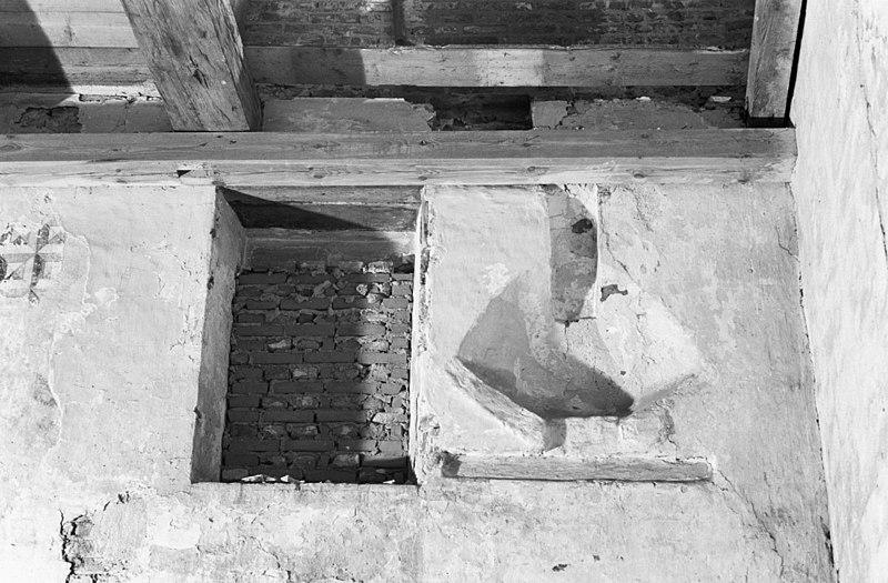 Pakhuis hijsluik rechte daklijst en hoog zadeldak in for Interieur amersfoort
