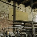 Interieur werkplaats, oostmuur met pleisterwerk - Sappemeer - 20388322 - RCE.jpg