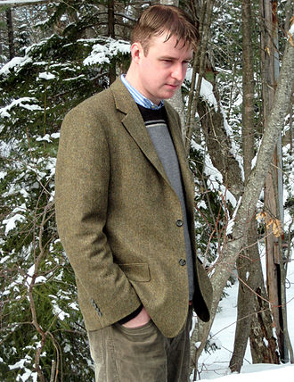 British country clothing - A tweed jacket is a typical element of the country attire, shown here as smart-casual
