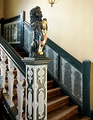 Newel - Image: Jacobean newel post 3073