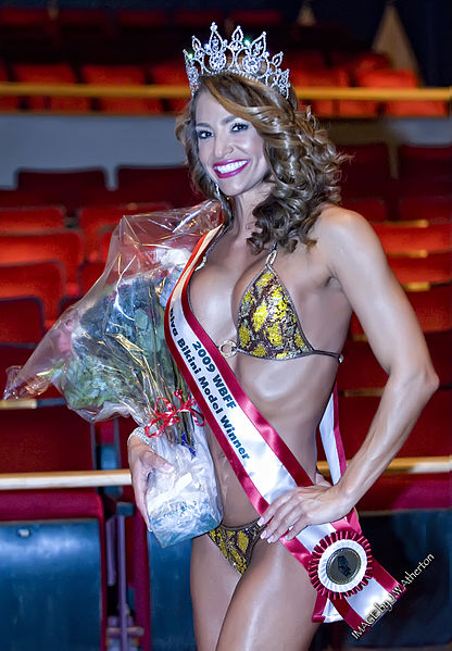 English: Jennifer Nicole Lee having won Bikini...