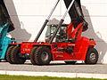 Kalmar K1250 Reach stacker pic1.JPG