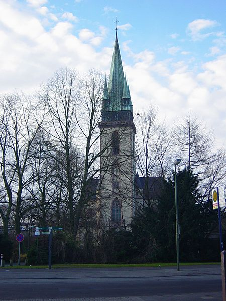File:Kath. Herz-Jesu-Kirche.jpg