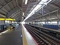 Keisei-Hikifune-Sta-Platform.JPG