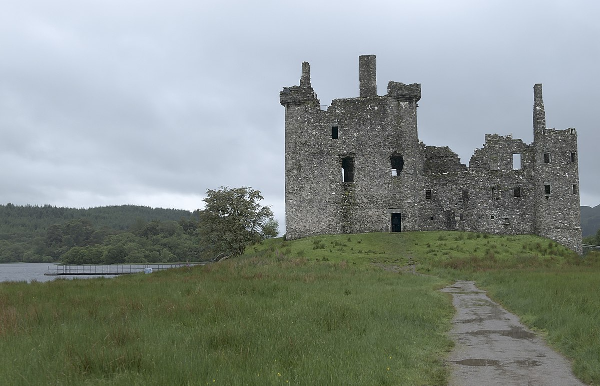 Kilchurn_Castle on Castle Campbell