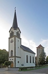 Kirche Altrier 01.jpg