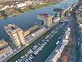 Kranhäuser im Rheinauhafen (33198439913).jpg