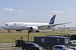 LATAM Chile (CC-BBF) Boeing 787-8 Dreamliner at Sydney Airport (1).jpg
