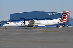 LOT, SP-EQG, Bombardier Dash 8 Q400 (28214353850).jpg