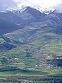 La Cerdanya des de Masella, amb el poble d'All, al fons la vall de Meranges i el circ d'Engorcs entre els núvols - panoramio.jpg