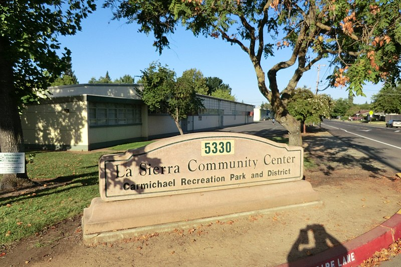 File:La Sierra Community Center 204 - panoramio.jpg