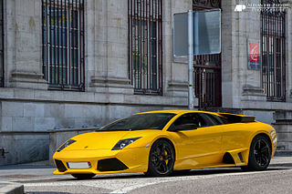 V12 flagship sports car manufactured by Italian automobile manufacturer Lamborghini as the successor to the Diablo