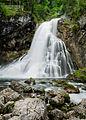 Langer Blick auf den Gollinger Wasserfall.jpg