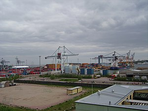 West Harbour, Helsinki - View of Länsisatama harbour in 2006 when container traffic was still in operation.