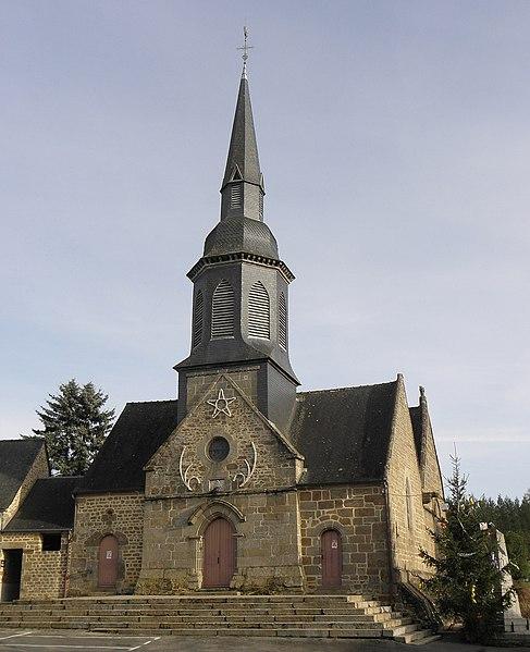 Extérieur de l'église Saint-Martin, Le Loroux (35). Façade occidentale.