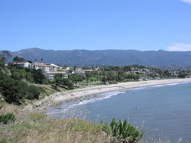 Restr:Leadbetter beach.jpg