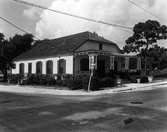 Lemon City Branch Library - The Lemon City Branch Library at its former, 412 NE 61st Street, location.
