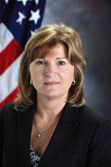 Lesa Roe official portrait.png