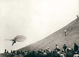 Glider (aircraft) - Otto Lilienthal in flight