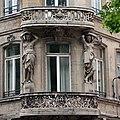 Lille — Immeuble 18 boulevard de la Liberté - Cariatides -.jpg