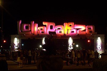 a Lollapalooza sign.