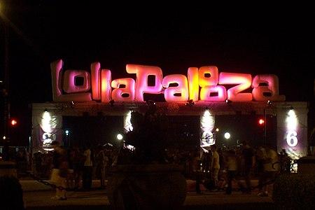 Lollapalooza sign.jpg