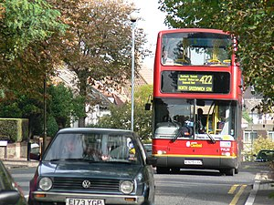 London Central bus V325 LGC route 422 October 2005.jpg