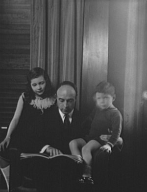 Robert A. Lovett - Robert A. Lovett and his children at home in 1930.