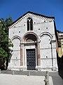 Lucca chapel - panoramio.jpg