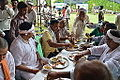 Lunching Bhaktas - Rawatpura Sarkar Ashram - Chitrakoot - Satna 2014-07-05 6442.JPG
