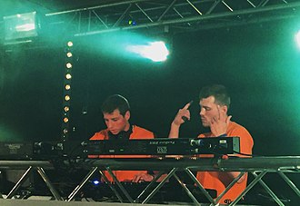 Lyonbrotherz - Lyonbrotherz live on stage at Hertie tanzt! in Gronau 2017