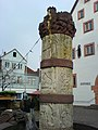Märchenbrunnen Steinau an der Straße - Säule.JPG