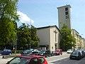 München, Kirchengebäude der kath. Pfarrgemeinde St. Andreas (außen).JPG