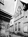Maisons - Angle et vue diagonale d'une façade - Beauvais - Médiathèque de l'architecture et du patrimoine - APMH00028716.jpg