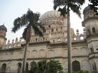 Maqbara with palm trees.JPG