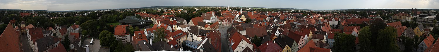 Memmingen Panorama Martinsturm.jpg