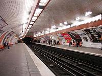 Metro de Paris - Ligne 2 - Pere Lachaise 01.jpg