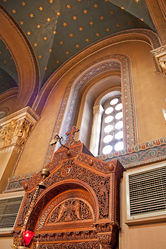 Metropolis of Athens interior 2010 4.jpg