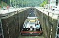 Mettlach Moselschiff 2012-8 2 Schleuse.JPG