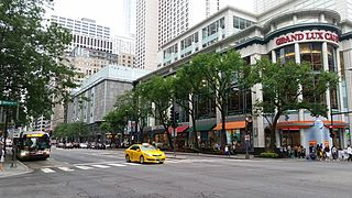 Michigan Avenue (Chicago) major north-south thoroughfare in Chicago, Illinois, United States