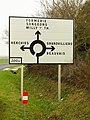 Milly-sur-Thérain-FR-60-Campdeville-panneau de direction-01.jpg